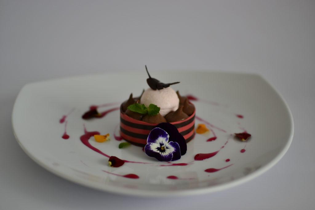 Ricette dessert al piatto pianeta dessert for Decorazioni piatti gourmet