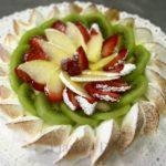 Ricette torte classiche e moderne - Millefoglie meringata alla frutta