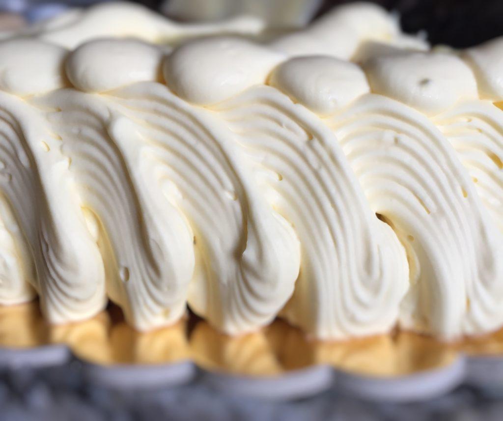 Crema al burro o zucchero a velo e burro?