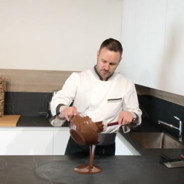 Video tutorial sul temperaggio del cioccolato
